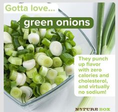 Green onions (a. scallions) have zero fat, zero calories and zero cholesterol! Better yet, they have virtually no sodium and carbohydrates. Clean Eating, Healthy Eating, Green Onions, Meals For One, Low Carb, Fruit, Vegetables, Recipes, Deen