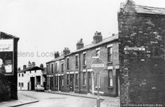 Black and white photograph showing Recreation Street, St. PH - Photographic collections 17 - Photographic collections that were created by individual depositors 3 - Black and white photographs showing various streets in St. St Helens Town, Saint Helens, Driftwood, Old Photos, Past, 1960s, Places To Visit, Photographs, England