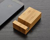 iPhone stand - Bamboo