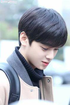 So handsome - Best Hair ideas! Korean Celebrities, Korean Actors, Two Block Haircut, Korean Men Hairstyle, Cha Eunwoo Astro, Lee Dong Min, Sanha, Korean Star, Boy Hairstyles