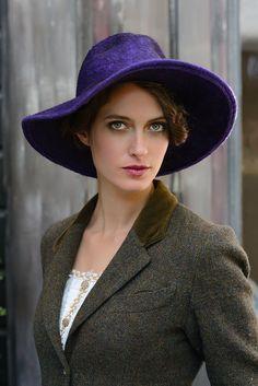 Wide Brim Lauren Bacall  purple felt hat от behidadolicmillinery, $465,00