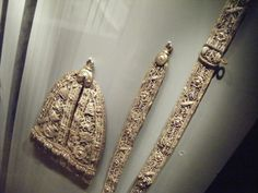 Amazing sword hanger and belt from the Wallace Collection.