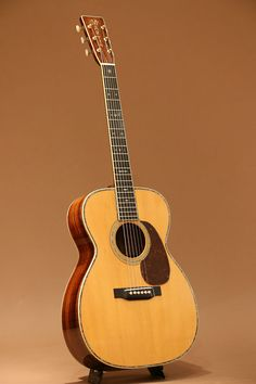 Martin OOO-45 ( 1935 ) : Pre-war Martin. Adirondack Spruce top, Brazilian Rosewood back & sides. Refinished by Martin in 1979.
