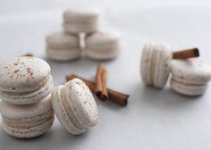 cinnamon roll macarons
