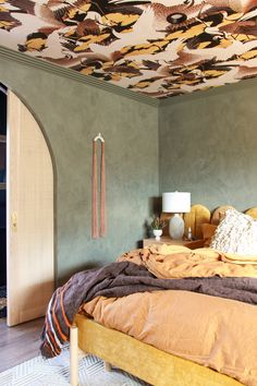 Narrow Trim Pocket Door Mortise Locks in Satin Brass Finish from Emtek featured on Homme Boys as part of the Fall 2019 One Room Challenge. Wallpaper Ceiling, Bird Wallpaper, Paradise Wallpaper, Estilo Interior, Ornamental Mouldings, Supportive Friends, Custom Vanity, Bedroom Ceiling, Bedroom Decor