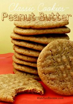 This peanut butter cookie recipe is such a classic, and a big favorite at our house! Chewy middles and slightly crisp edges, these are just perfect! Yummy Cookies, Cupcake Cookies, Yummy Treats, Sweet Treats, Yummy Food, Ginger Cookies, Cupcakes, Cookie Desserts, Just Desserts
