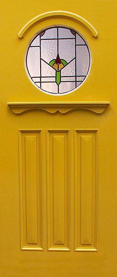62 Trendy Cool Door Knockers Summer, sun, sunshine and off into your own Pool. Yellow Front Doors, Front Door Colors, Cool Doors, Unique Doors, 1930s Doors, External Doors, Front Door Design, Entrance Doors, Porch Entrance