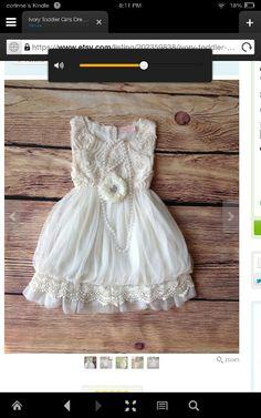 Totally adorable flower girl dress!