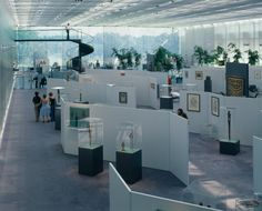 Norman Foster's Sainsbury Centre – the first high-tech art gallery Classical Architecture, Contemporary Architecture, Architecture Design, Landscape Architecture, Foster Architecture, Foster Partners, Old Abandoned Houses, Tech Art, Walter Gropius