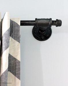 Hi Sugarplum | Galvanized Pipe Curtain Rod by hi sugarplum!, via Flickr http://hisugarplum.blogspot.com/2013/11/diy-another-galvanized-pipe-curtain-rod.html#_a5y_p=1046413