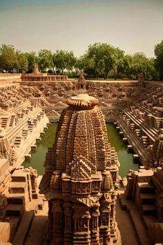 The stepped water tank of the Sun Temple, Modhera, Gujarat, India. The temple is dedicated to the Hindu Sun-God, Surya. It was built in 1026 AD. Places Around The World, Oh The Places You'll Go, Places To Travel, Places To Visit, Around The Worlds, Nature Architecture, Ancient Architecture, Amazing Architecture, Gothic Architecture