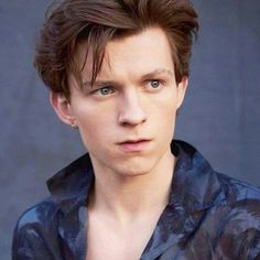 Tom Holland with blue eyes?? I like brown eyes better <3