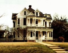 victorian style home, exterior design, architecture :: Persistent Pumpkin