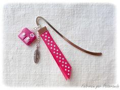 Marque-page motif cartable en fimo rose : Marque-pages par ptitamande