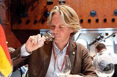 Holanda se convierte en el principal comprador de vinos alemanes por volumen y valor http://www.vinetur.com/2013031311813/holanda-se-convierte-en-el-principal-comprador-de-vinos-alemanes-por-volumen-y-valor.html