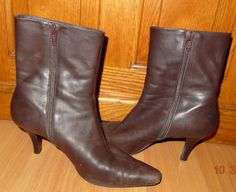 """Boots Michelle D Brown Leather High Heel Pointed Toe Shoes 2.75"""" Tall Sz 6.5M TP #MichelleD #ShortBoots #Casual"""
