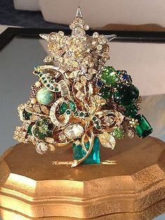 Vintage Rhinestone Christmas Tree Pin Signed LaHeir.