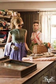 Love the one on the left Vintage Boutique, Ladies Boutique, Countryside Fashion, German Costume, Small Town Girl, Diy For Girls, Traditional Dresses, Looking For Women, Vintage Fashion