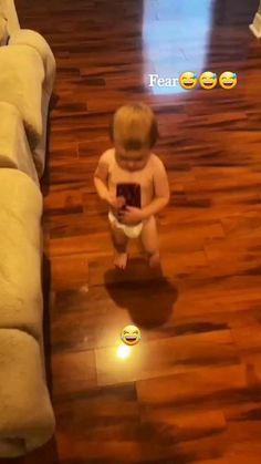 Cute Funny Baby Videos, Cute Funny Babies, Funny Short Videos, Funny Cute, Hilarious, Funny Video Memes, Crazy Funny Memes, Really Funny Memes, Baby Memes
