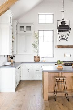 291 best cottage kitchen images in 2019 cottage decorating rh pinterest com