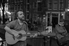 Streetfotografie by MFPanholzer Music Instruments, Guitar, Photography, Photograph, Musical Instruments, Fotografie, Photoshoot, Guitars, Fotografia