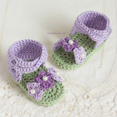 As the flowers start to bloom this spring, join in the fun and crochet your little one a darling pair of violet baby sandals!.. And the best part, they're extremely fun and easy to crochet and can be whipped up in an afternoon!