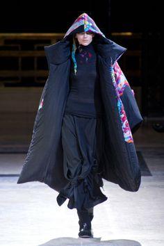 Défilé Yohji Yamamoto automne hiver 2014-15 : Contrastes à l'honneur ! #PinPFW
