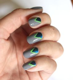 V mani for the Super Bowl | Seahawks nails... Broncos beauty look inside