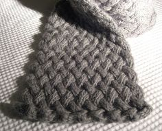 Free Hat, Mitten, Scarve & Slipper Knit Pattern on Pinterest Free Knitt...