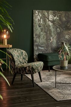 wall color and couch color Dark Green Living Room, Dark Green Rooms, Dark Living Rooms, Colourful Living Room, Home Living Room, Living Room Designs, Living Room Furniture, Living Room Decor, Apartment Interior Design