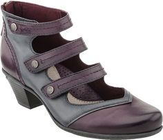 Unique to say the least.  This gorgeous maryjane style heel is vintage in style, but modern in comfort.  The Earth Serano is beautiful styled and easy to wear.