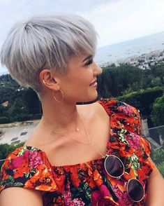 Today we have the most stylish 86 Cute Short Pixie Haircuts. We claim that you have never seen such elegant and eye-catching short hairstyles before. Pixie haircut, of course, offers a lot of options for the hair of the ladies'… Continue Reading → Haircuts For Fine Hair, Short Pixie Haircuts, Short Hairstyles For Women, Straight Hairstyles, Layered Hairstyles, Choppy Haircuts, Short Undercut Hairstyles, Medium Hairstyles, Grey Haircuts