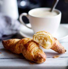 Ranskalaiset croissantit | Reseptit | Anna.fi No Salt Recipes, Salty Snacks, Croissant, Pretzel Bites, Food Photo, French Toast, Rolls, Bread, Cheese