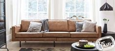 Color scheme for brown couch
