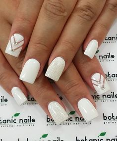 Dimonds Nails : Image Description Got a romantic date? Or you're going to prom or any of that formal events? This classy white nail art with naked chevron design accentuated with diamonds and a glittery nail is what you need for an overall elegant look. White Gel Nails, White Nail Art, Glitter Nails, White Acrylic Nails With Glitter, Nude Nails, Coffin Nails, Prom Nails, Wedding Nails, My Nails