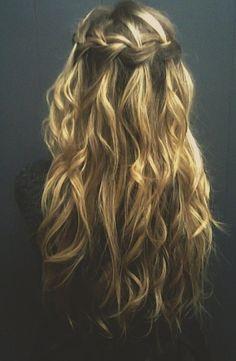 waterfall braid-cheveux longs bouclés/ondulés