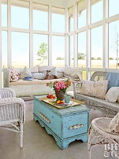 Bohemian style is all about layering prints and textures to create a hip, free-spirited look. Check out these amazing rooms, and learn how you can rock cool Bohemian style!