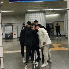 Korean Boys Ulzzang, Ulzzang Couple, Ulzzang Boy, Cute Friend Photos, Friend Pictures, Friend Pics, Jungkook Abs, Friends Image, Cute Friends