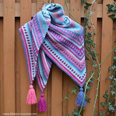 River's Walk Shawl uses linen stitch together with a tiny touch of mosaic crochet. The shawl is cozy, warm and… reversable!!