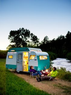 "I am not a camper but definitely would ""glamp"" with this Serro Scotty trailer. It is a vacation home on wheels. Vintage Rv, Vintage Caravans, Vintage Travel Trailers, Old Campers, Retro Campers, Vintage Campers, Retro Caravan, Happy Campers, Go Camping"