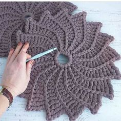 Embroidery for Beginners & Embroidery Stitches & Embroidery Patterns & Embroidery Funny & Machine Embroidery Crochet Placemat Patterns, Crochet Flower Patterns, Crochet Tablecloth, Crochet Designs, Crochet Doilies, Embroidery Patterns, Knitting Patterns, Col Crochet, Crochet Carpet