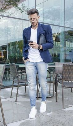 Blue Blazer Outfit Ideas Collection casual blazer outfit navy blue blazer white tshirt and Blue Blazer Outfit Ideas. Here is Blue Blazer Outfit Ideas Collection for you. Blue Blazer Outfit Ideas casual blazer outfit navy blue blazer white ts. Outfits Blue Jeans, Blue Blazer Outfit Men, White Sneakers Outfit, Blazer Outfits Casual, Casual Jeans, Work Outfits, Men's Outfits, Mens Casual Blazers, Mens Blazer Styles