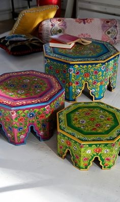 """Moroccan style-pretty sure I can use this idea to make a Moroccan bedside table with a couple of drawers. Will share if I figure it out. Hope it doesn't end up on the """"nailed it"""" board! Indian Furniture, Funky Furniture, Moroccan Decor, Moroccan Style, Morrocan Table, Yoga Studio Design, Deco Boheme, Hand Painted Furniture, Bohemian Decor"""
