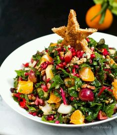 Christmas Tree Salad.....Cant wait to try this with lettuce, tomatoes, cucumbers, walnuts, pomegranate seeds & orange slices Yummm.....a nice vinaigrette dressing would taste wonderful to top it off.