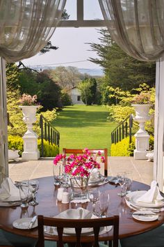 The restaurant at Seaview House Hotel has won many international awards. The main dining room is delightfully elegant and the conservatory restaurant overlooks the gardens.