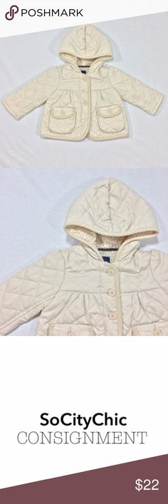 GAP QUILTED JACKET WITH HOOD GAP QUILTED JACKET WITH HOOD. LONG SLEEVES. CENTER FRONT BUTTON CLOSURE. TWO FRONT POCKETS WITH BUTTON CLOSURE. SIGNATURE LOGO ON BUTTONS. STAR PRINT POLKA DOT LINING. CORDUROY TRIM DETAIL ON HOOD, POCKETS, CENTER FRONT TRIM AND HEMLINE. FABRIC: POLYESTER/ NYLON. CONDTION: GENTLY USED/ NO SIGNS OF WEAR. SIZE 6-12M GAP Jackets & Coats