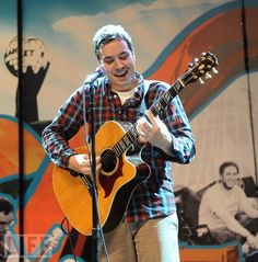 jimmy fallon + a guitar