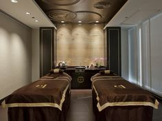 Chuan Spa Chicago treatment room. Photo by Mike Schwartz.