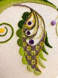 Bordado Jacobean, Crewel Embroidery Kits, Vintage Embroidery, Embroidery Applique, Embroidery Thread, Embroidery Supplies, Embroidery Tattoo, Eyebrow Embroidery, Embroidery Alphabet