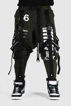 Cyberpunk Clothes, Cyberpunk Fashion, Dope Fashion, Fashion Outfits, Concept Clothing, Pantalon Cargo, Mein Style, Stylish Mens Outfits, Alternative Outfits